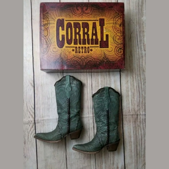 Corral RETRO Turquoise Distressed Western Boots